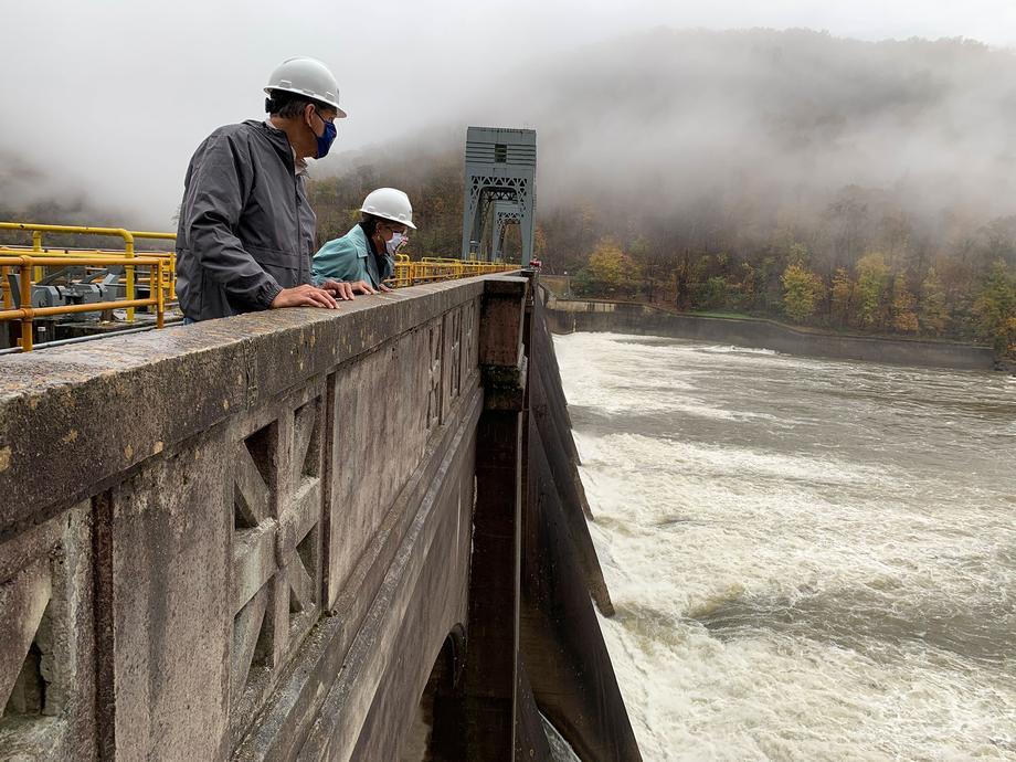 Sen. Manchin Visits Hawks Nest Dam, Tunnel