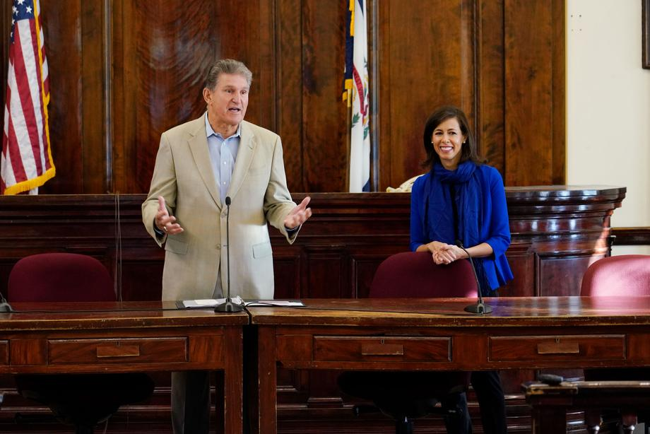 Sen. Manchin and FCC Commissioner Jessica Rosenworcel Host Broadband and Wireless Connectivity Town Halls