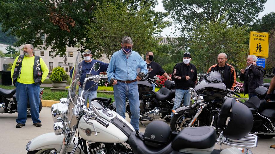 Sen. Manchin Participates in Ride For Fallen Service Heroes